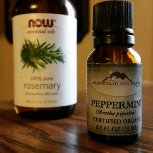My favorite essential oil blend for mental clarity is rosemary + peppermint. www.everblossom.net